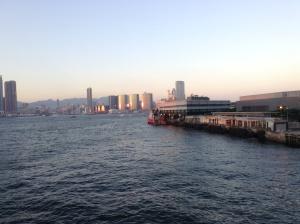 Vista de Kowloon desde la isla de Hong Kong